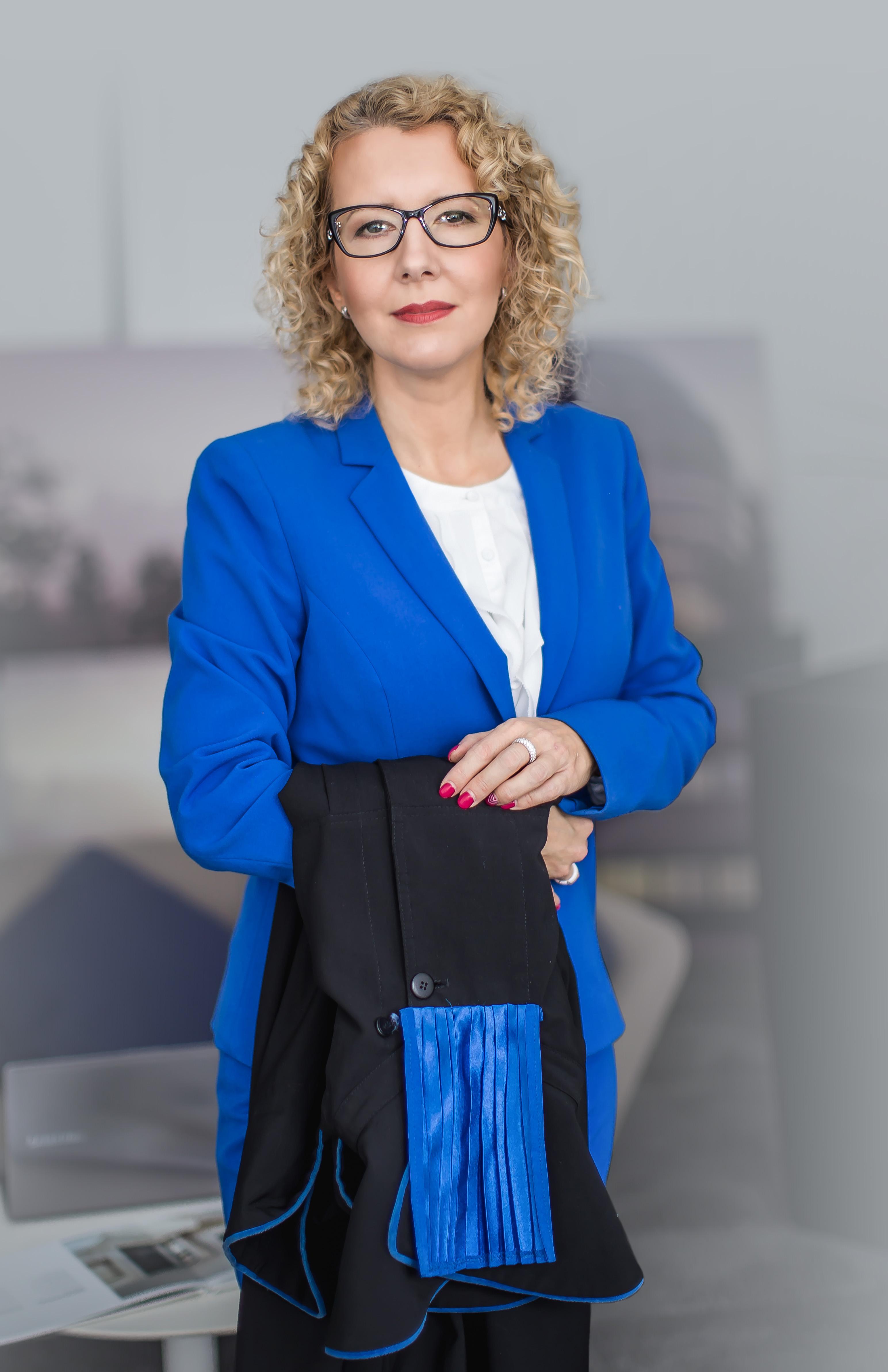 Mecenas Ewa Klos Rychter z togą